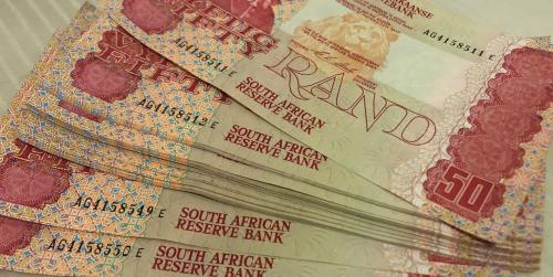 Fifty rand bank notes x 40 sequentially numbered