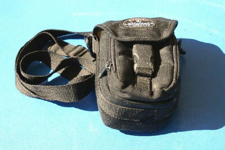Small tamrac camera case