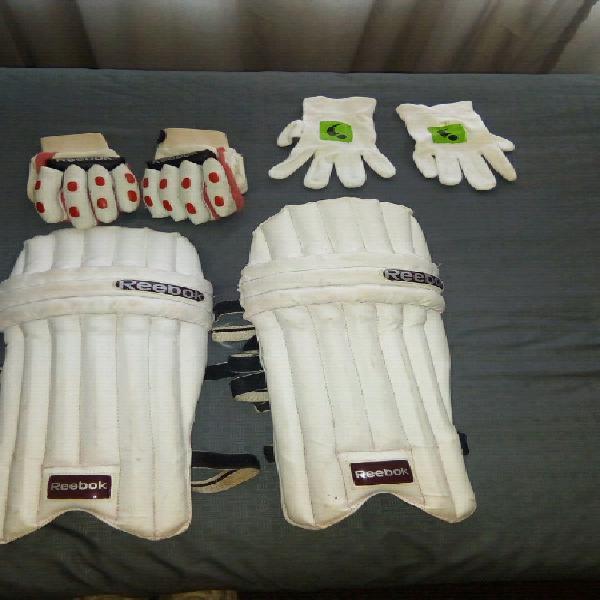 Junior cricket kit for sale