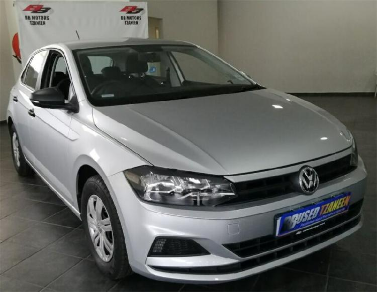 Silver volkswagen polo 1.0 trendline with 28441km available