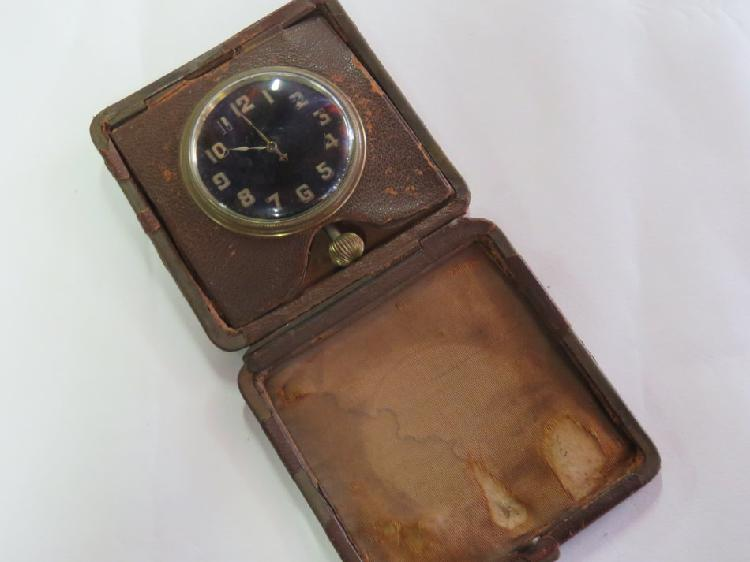 Antique 8 days travelling pocketwatch in leather case with