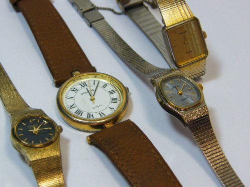 Lot of 4 ladies quartz fashion watches - working