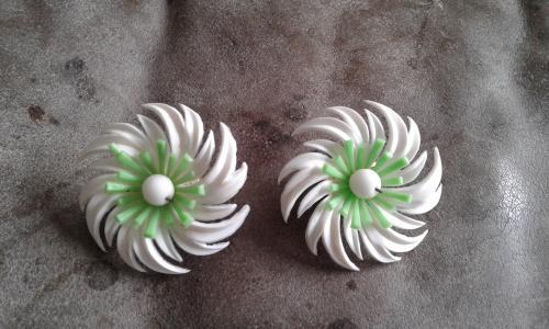 Original 1950s vintage green white flower clip on earrings