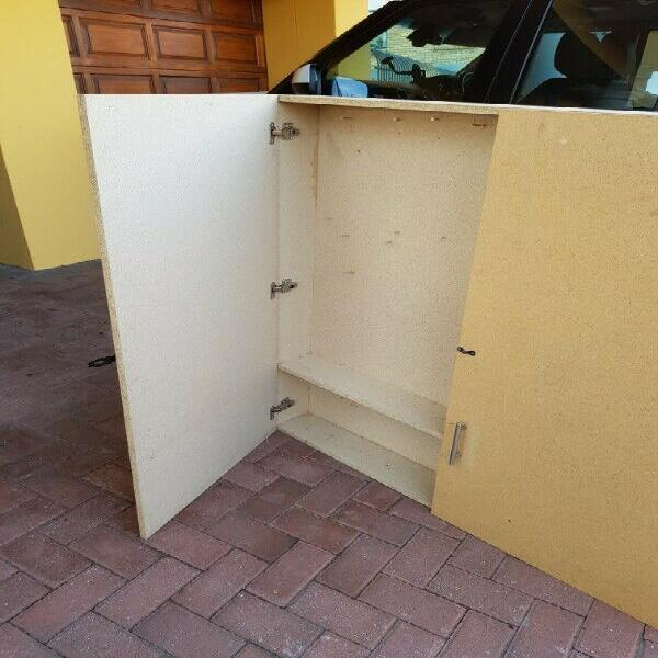 TOOL or GARDEN CABINET - WITH LOCK - R 995