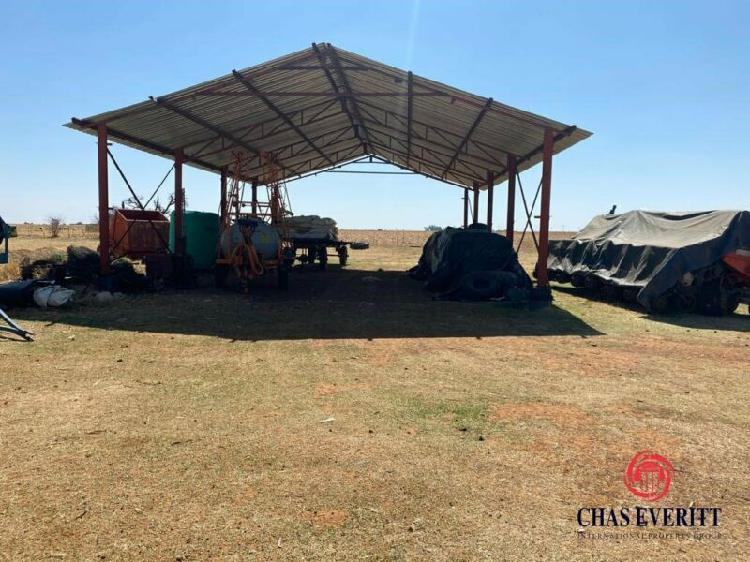 Commercialfarm in lichtenburg now available