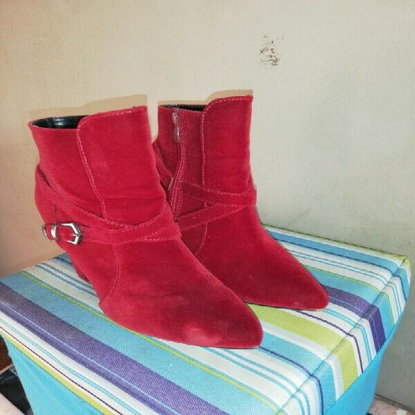 Boots for sale, r100 each or both for r150