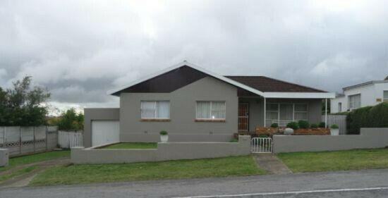 House share accommodation opportunity