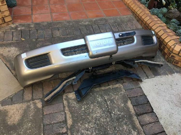 Toyota Land Cruiser 100 VX winch bumper