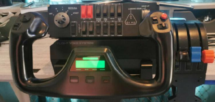 Logitech flight yoke system with throttle quadrant,rudder