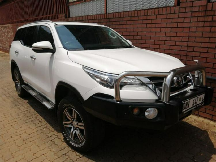 White toyota fortuner 2.8 gd-6 raised body with 95000km