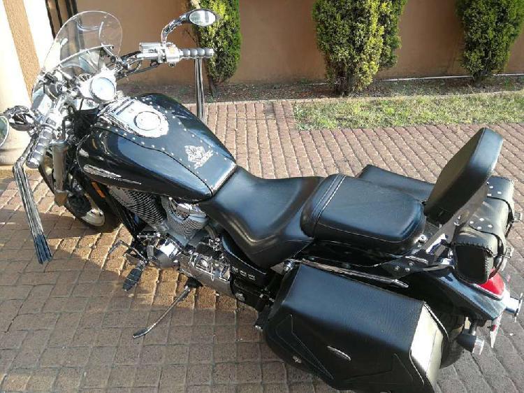 2011 honda vtx 1800 in excellent condition