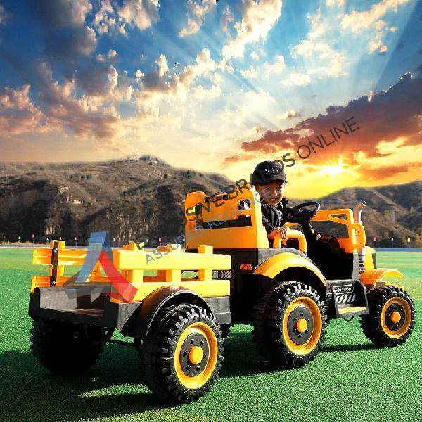 Kids ride on tractor & trailer (c482)