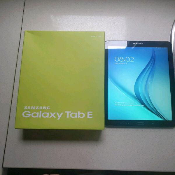 Samsung galaxy tab e 9.7 inch with box for sale