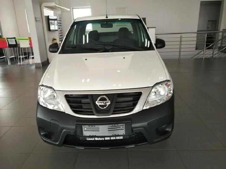 2020 nissan np200 1.6 8v a/c + safety pack