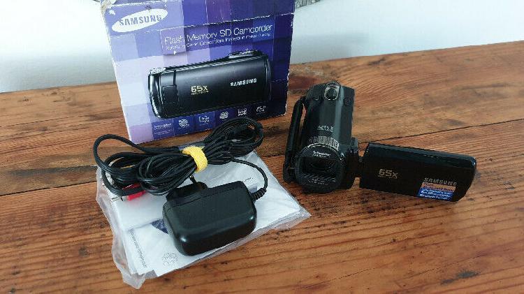 Samsung camcorder (good condition) r850 neg