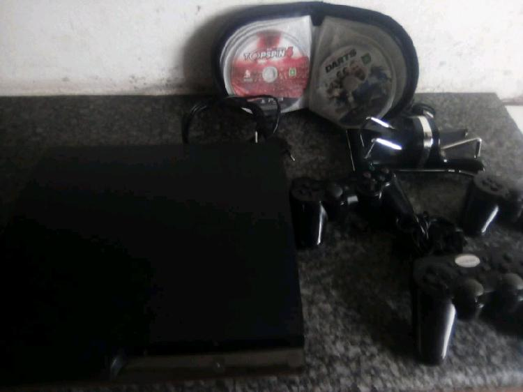 Ps3 in very good condition! + extras