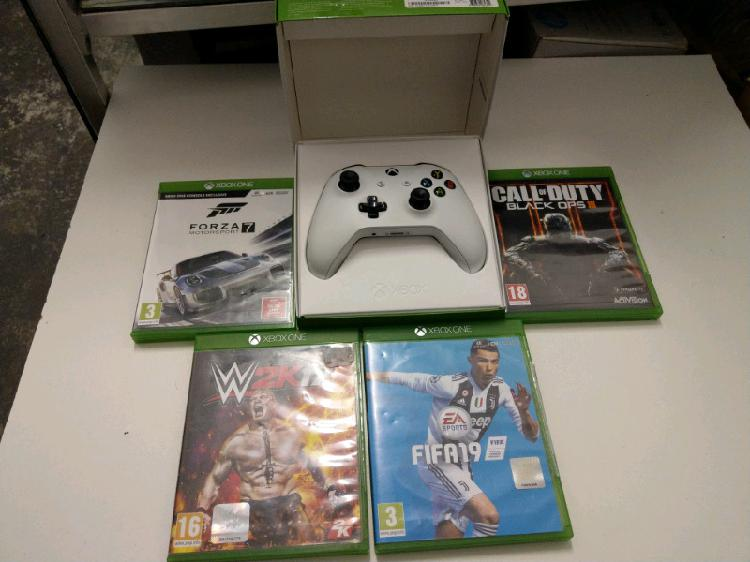 Xbox one s controller and games