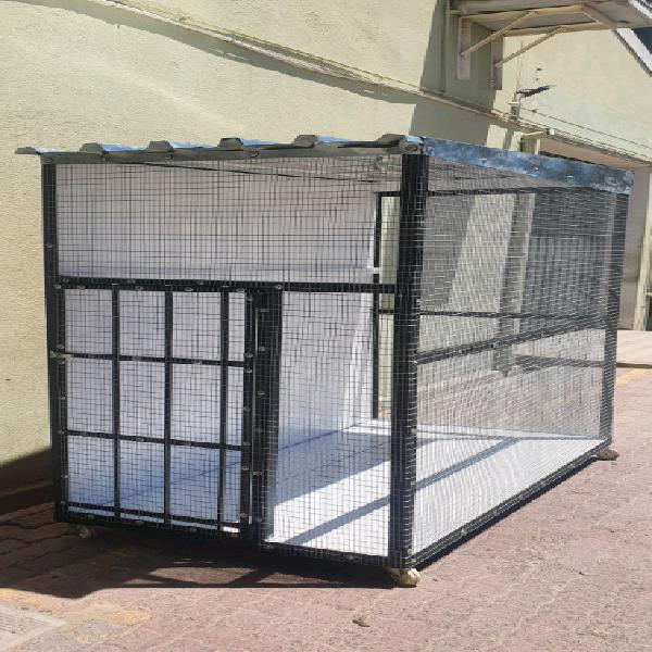 Beautiful bird cage for sale