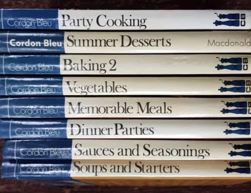 Cordon bleu, set of 8 book cooking books ! recipe books