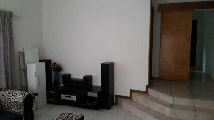 Spacious secure clean room and lounge, parking by berea