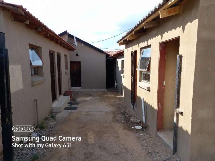 House for rental in ebony park