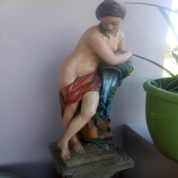 Figurine or water feature, with column/pillar. Collect in