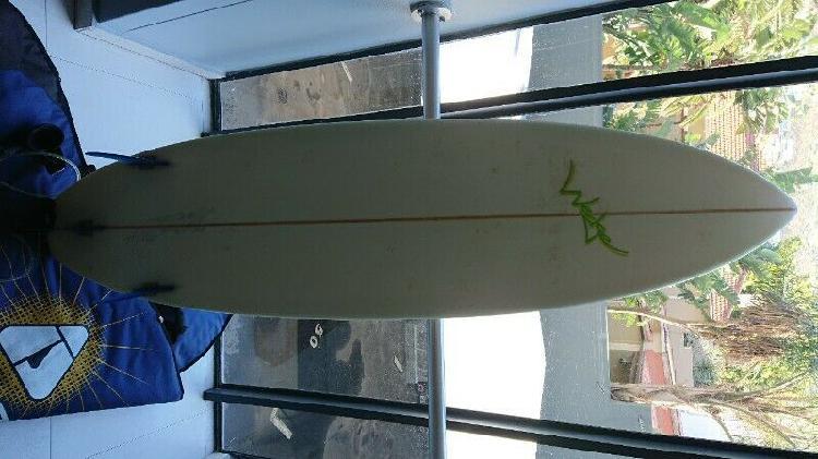 Epic surf board 6ft8 incl bag