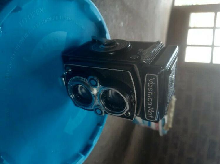 Yashica mat vintage camera 1971-1980