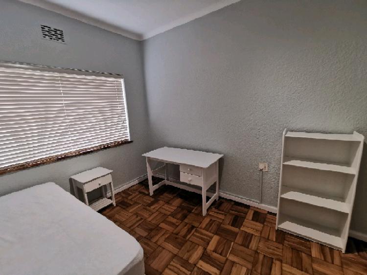 Stellenbosch, sought after alexanderhof flats - ground floor