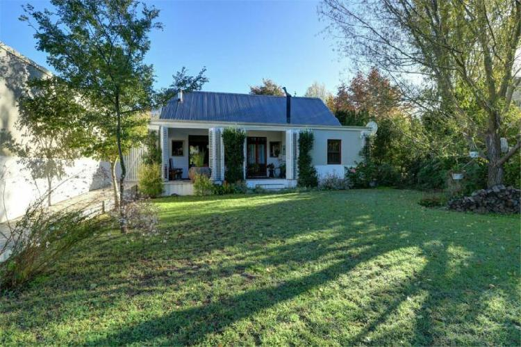 Charming disabled friendly lock up and go country cottage
