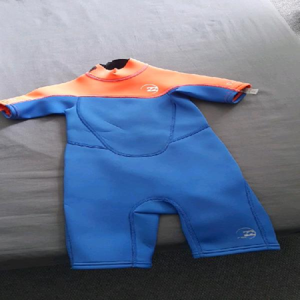 Good condition billabong wet suit for sale