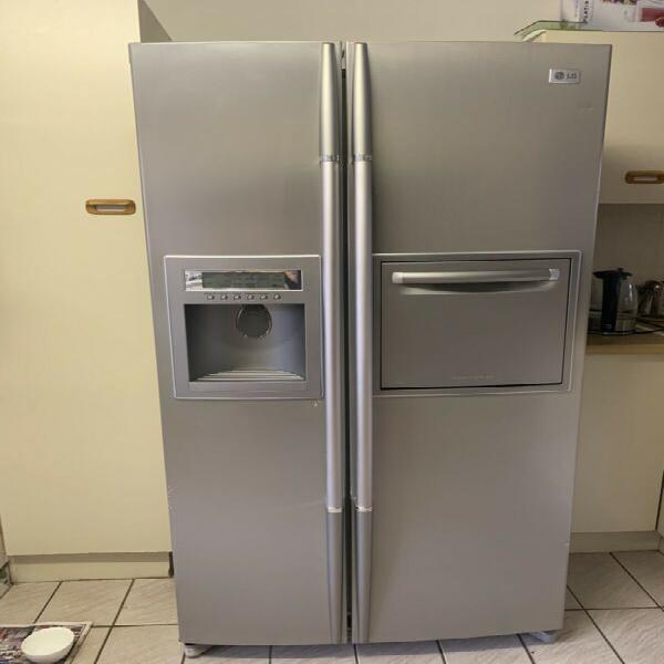 Lg double door fridge & freezer