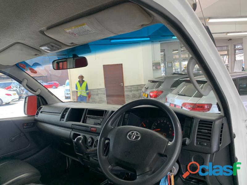 2019 Toyota Quantum 2.5 D4D Sesfikile 16 seater 8