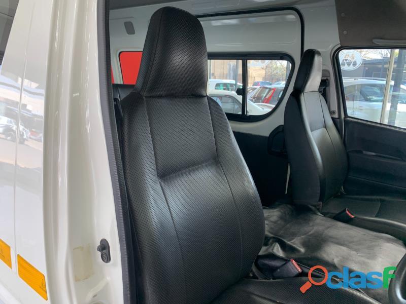 2019 Toyota Quantum 2.5 D4D Sesfikile 16 seater 9