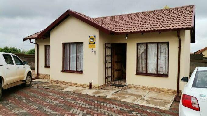 3 bedroom with 2 bathroom cluster for sale north west