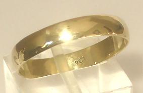 9k / 9ct gold wedding band / ring, 4mm wide, half round.