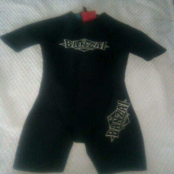 Wetsuit for sale. excellent condition. kids size small to