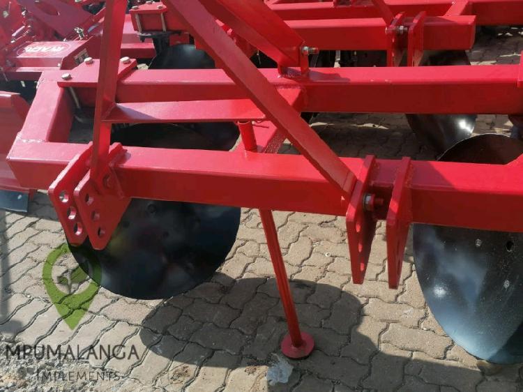 Disc plough 12 month warrenty