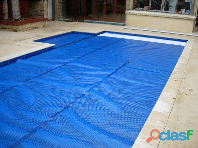 Swimming Pool Solar Blankets & Pool Covers. 1