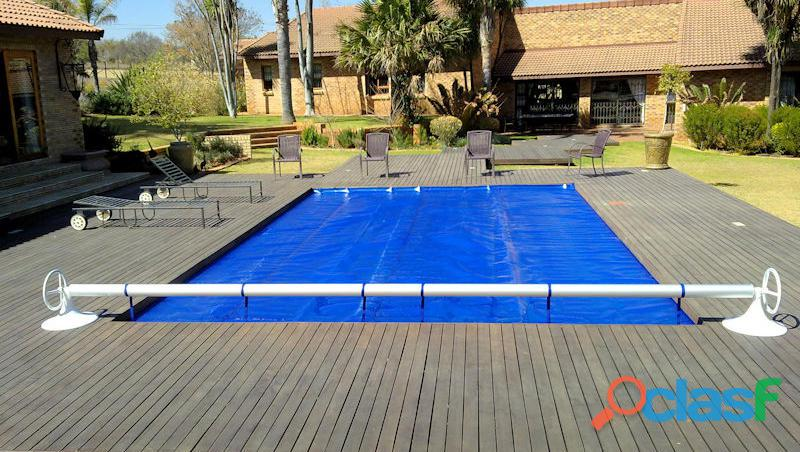 Swimming Pool Solar Blankets & Pool Covers. 3