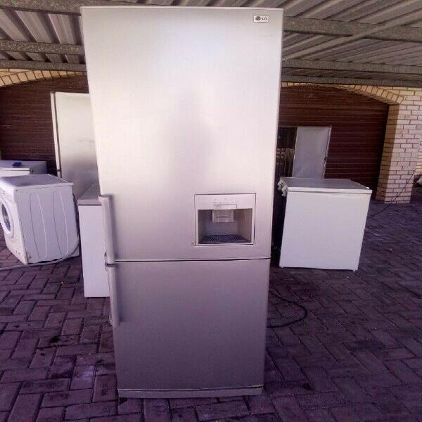 Water dispenser fridge for sale