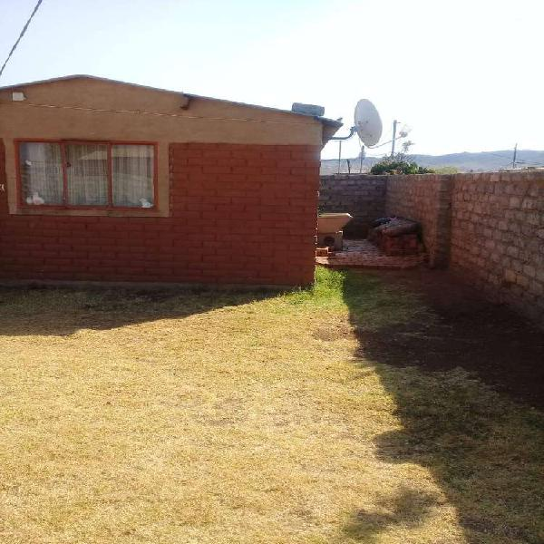 House for sale at Daveyton