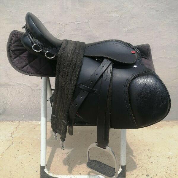 Pony saddle for sale