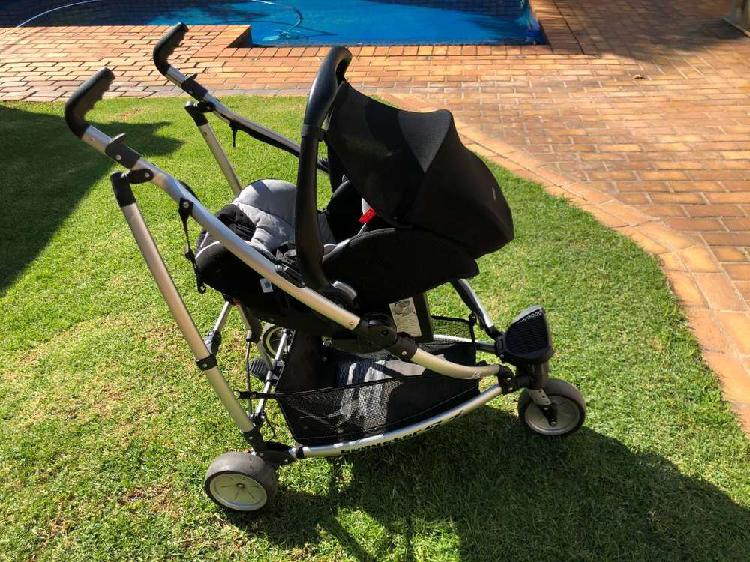 Ricarro baby seat and buggsters pram