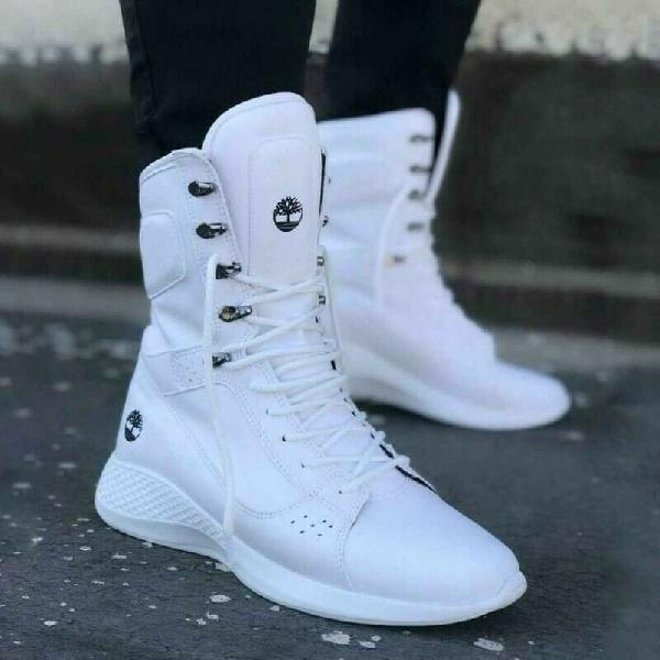Stylish sneakers for sale