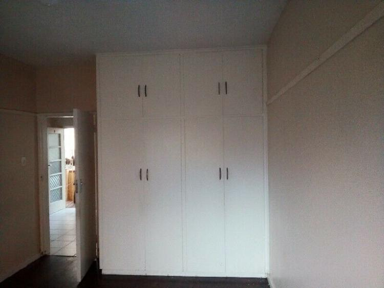 Flat to rent available immediately