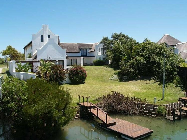 Self Catering Holiday Accommodation in St Francis Bay,