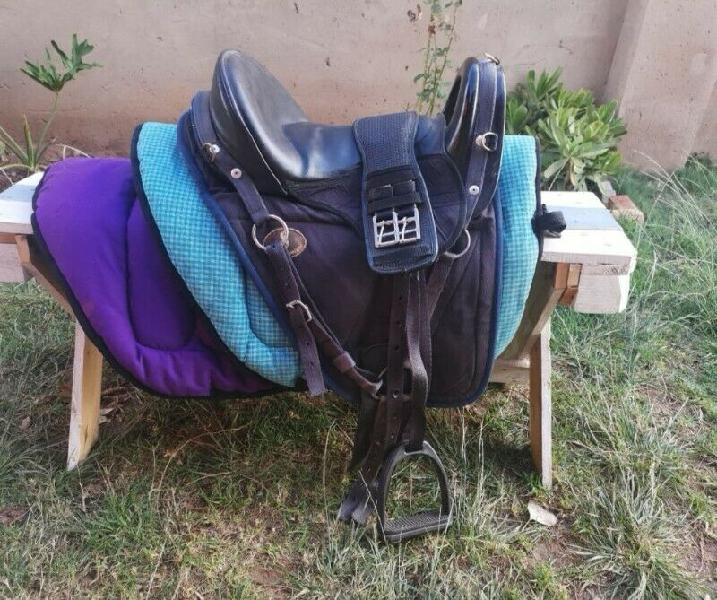 17.5inch Featherweight Saddle & Accessories