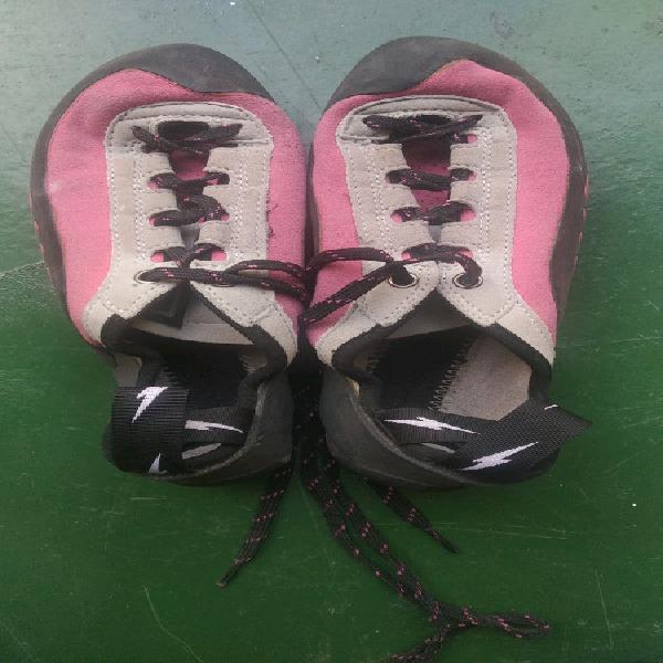 Evolve Rock star climbing shoe (negotiable)