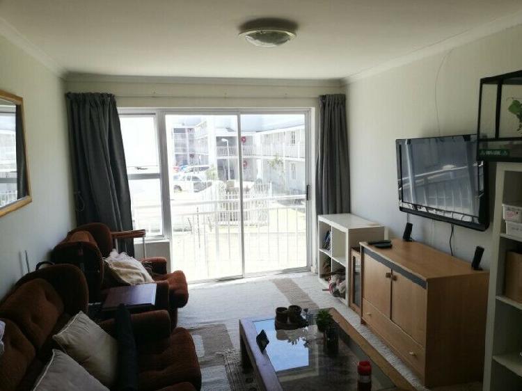 Room for rent in shared 2 bedroom flat, Stellenbosch